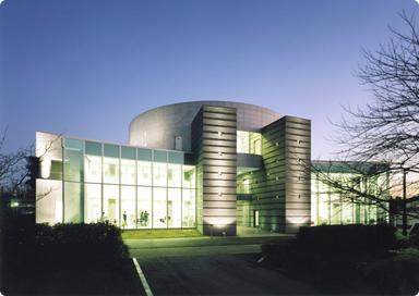 植草学園の大学図書館です